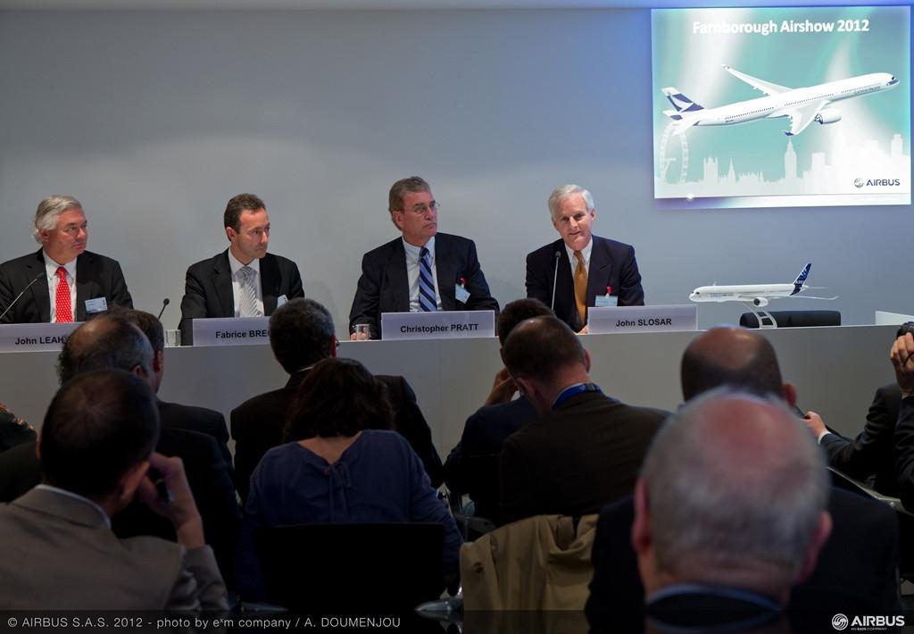 Farnborough Air Show 2012: Az Airbus bejelenti, hogy a Cathay Pacific a módosított specifikációjú A350-1000-es első vevője. (Fotó: Airbus) | © AIRportal.hu