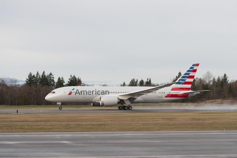 Felszállás közben az American Airlines első Dreamlinere. (Fotó: American Airlines)   © AIRportal.hu