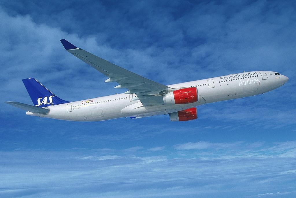 SAS Airbus A330-300 repülés közben. A légitársaságnak jelenleg négy darab ilyen típusa van, de 2015-2016 folyamán további négy érkezik, közvetlenül a gyártótól. (Fotó: Scandinavian Airlines)   © AIRportal.hu