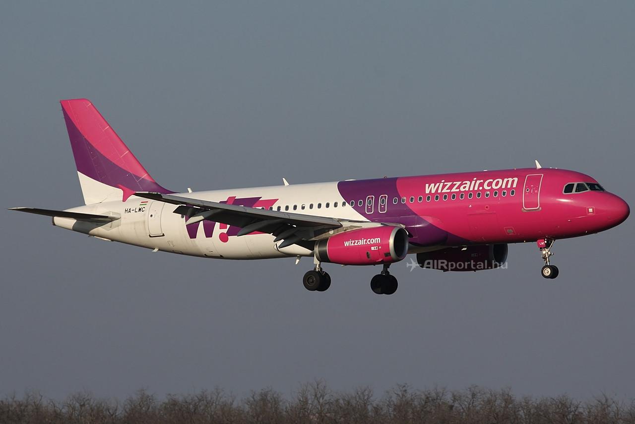 Wizz Air Airbus A320-as leszállás közben. (Fotó: Csemniczky Kristóf - AIRportal.hu) | © AIRportal.hu