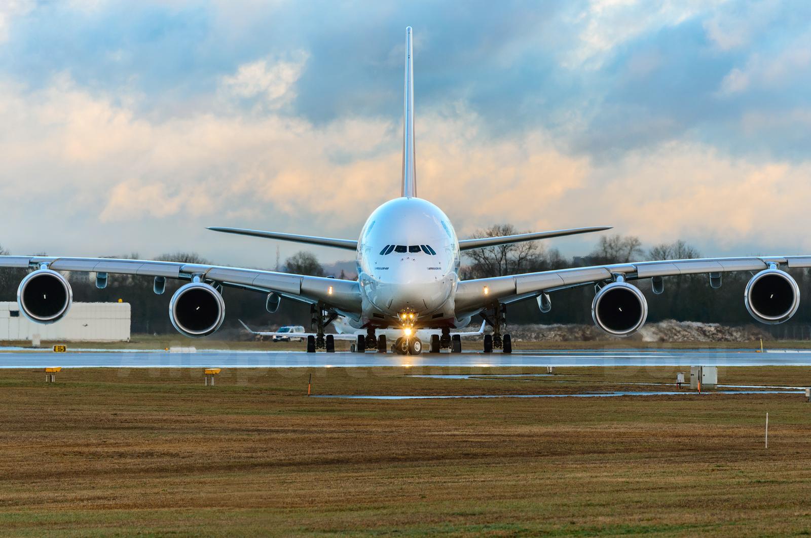 Münchenbe napi ketszer is repülnek az Emirates A380-asai. (Fotó: Kovács Gábor - AIRportal.hu)   © AIRportal.hu