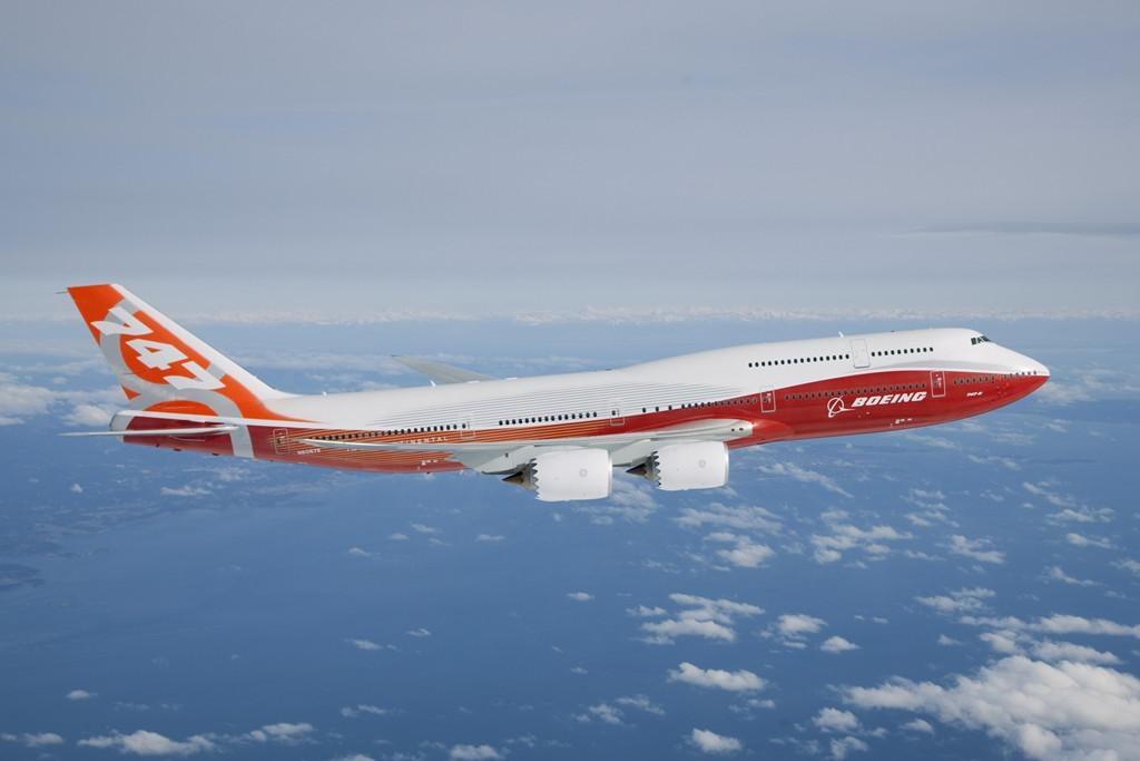 A Boeing 747-8-as az amerikai gyártó valaha épített legnagyobb kereskedelmi típusa. Szűzrepülését a teherszállító változat 2010. február 8-án, az utasszállító 2011. március 20-án teljesítette. (Fotó: Boeing Company)   © AIRportal.hu