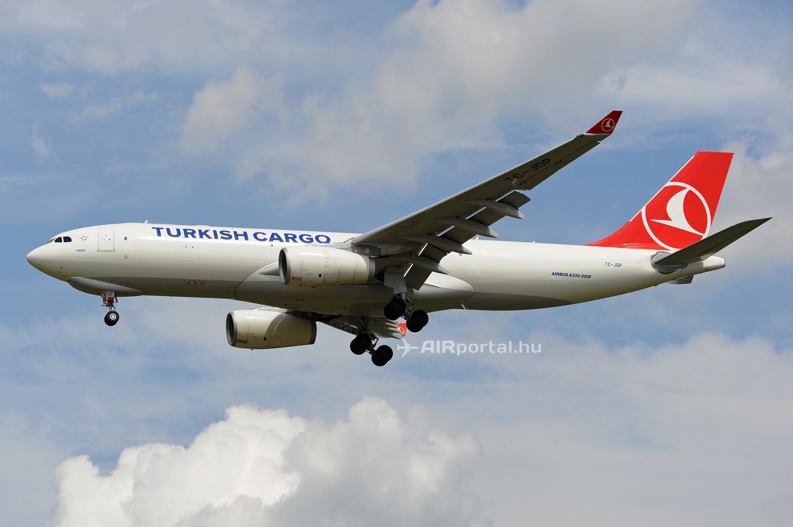 2011. augusztus 13-a, a Turkish Cargo járatával először érkezett Ferihegyre Airbus A330-200F típusú cargogép. (Fotó: Kovács Gábor - AIRportal.hu)   © AIRportal.hu