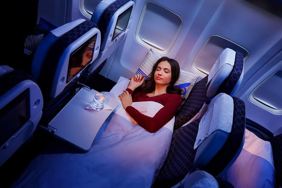 Az új Economy Sleeper Class ágy funkcióban. (Fotó: Air Astana) | © AIRportal.hu
