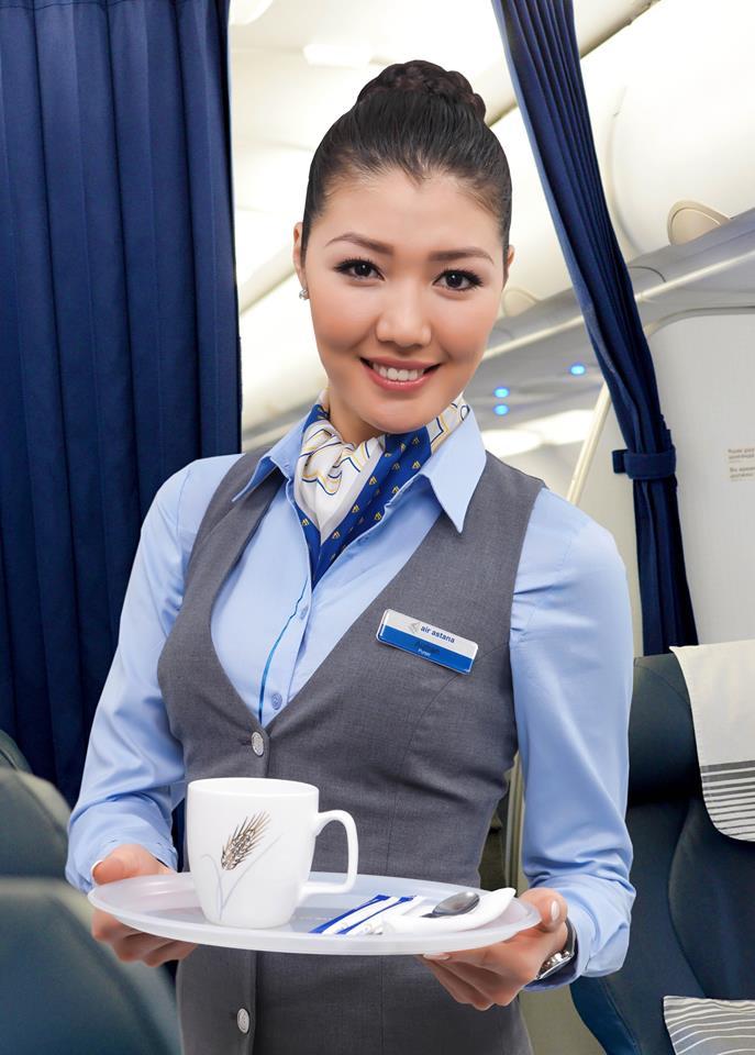 Air Astana légiutas-kísérő. (Fotó: Air Astana) | © AIRportal.hu
