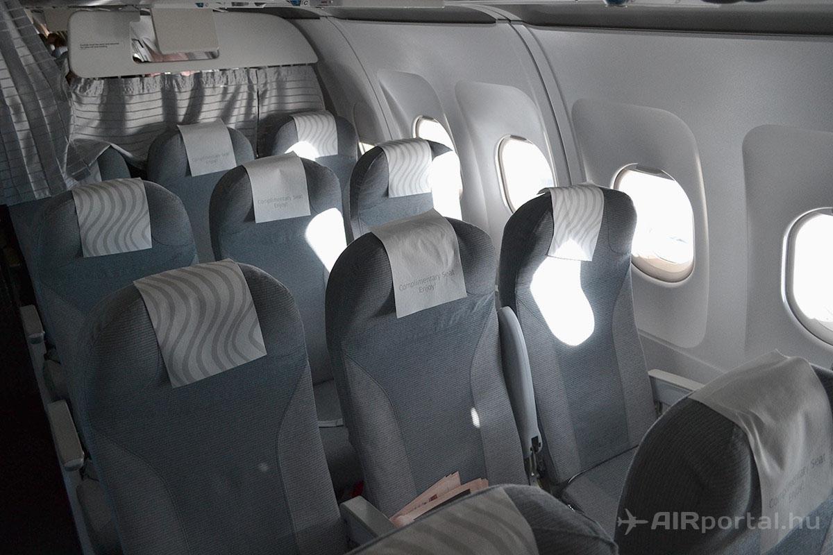 A Business Class ülései. Láthatóan a 100%-os töltöttsége elmaradt ennek a kabinosztálynak. | © AIRportal.hu