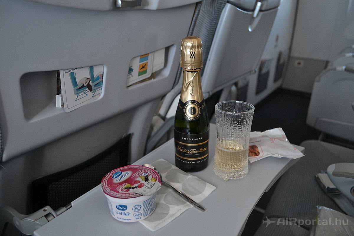 Az ízletes reggelit egy kellemes francia pezsgővel is levezethetjük. | © AIRportal.hu