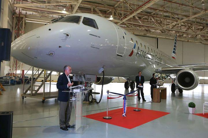 A hatvan gépes megrendelés első átadása február 11-én az Embraer gyárban. (Fotó: Embraer)   © AIRportal.hu