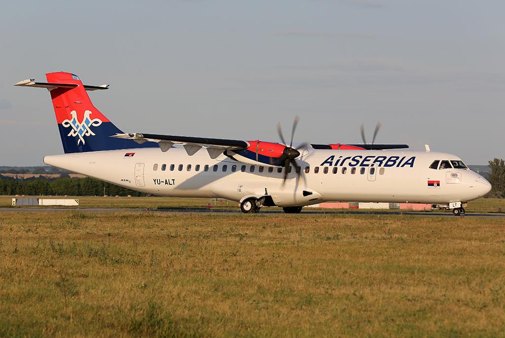 Az Air Serbia ATR 72-es repülőgépe a Liszt Ferenc repülőtéren. (Fotó: AIRportal.hu)   © AIRportal.hu