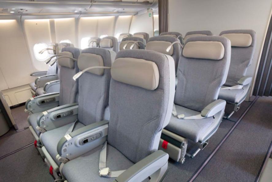 A Classica Plus osztály az Alitalia szélestörzsű gépeinek prémium turista osztálya. (Fotó: Alitalia) | © AIRportal.hu