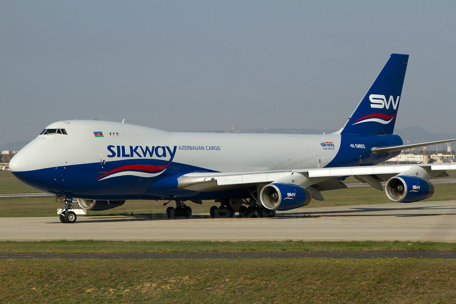 Silk Way West Boeing 747-400F Ferihegyen, 2014. március 30-án. (Fotó: Ispán Tamás - AIRportal.hu)   © AIRportal.hu