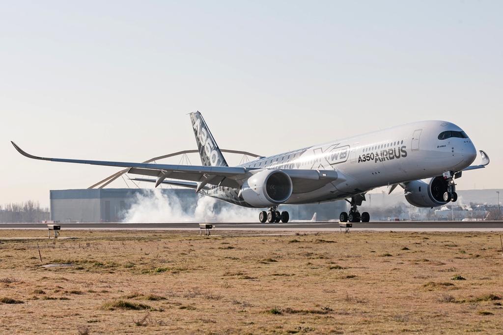 Ma délelőtt földet ér Madridban az első ide érkező Airbus A350XWB. (Fotó: Airbus) | © AIRportal.hu