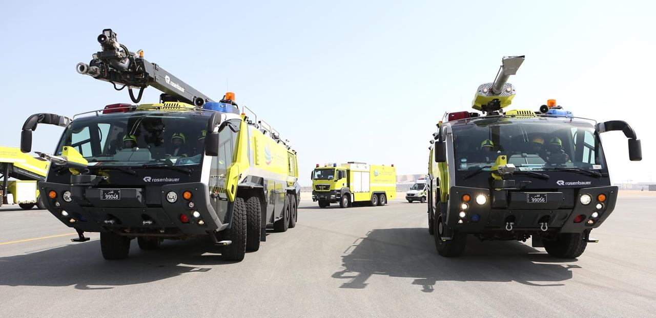 Rosenbauer Panther tűzoltók a mentőegységek első vonalában. (Fotó: Qatar Airways) | © AIRportal.hu