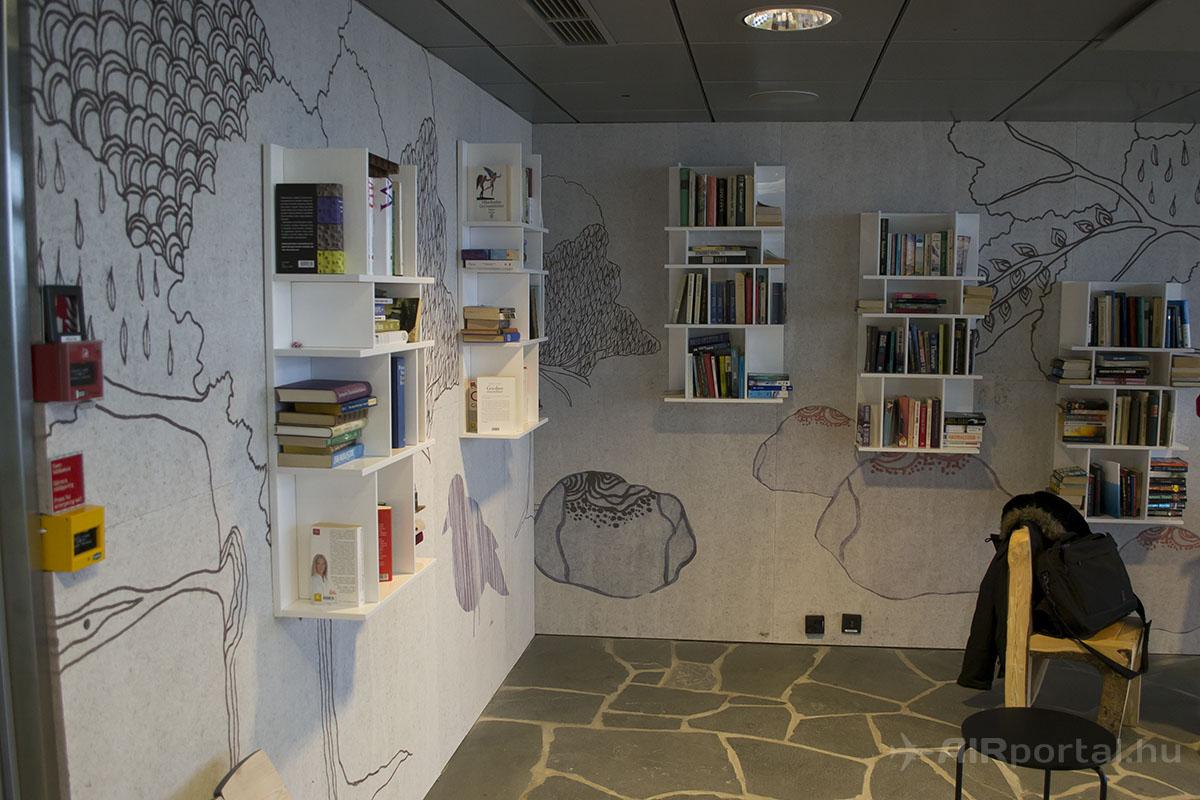 ...és a mini-könyvtár. | © AIRportal.hu