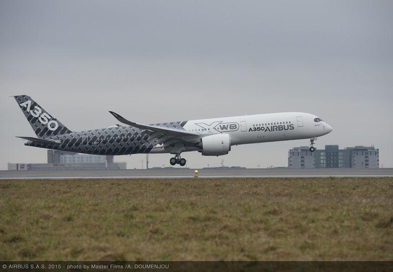 Leszállás, először a Charles de Gaulle-ra, 2015. február 26-án. (Fotó: Airbus) | © AIRportal.hu