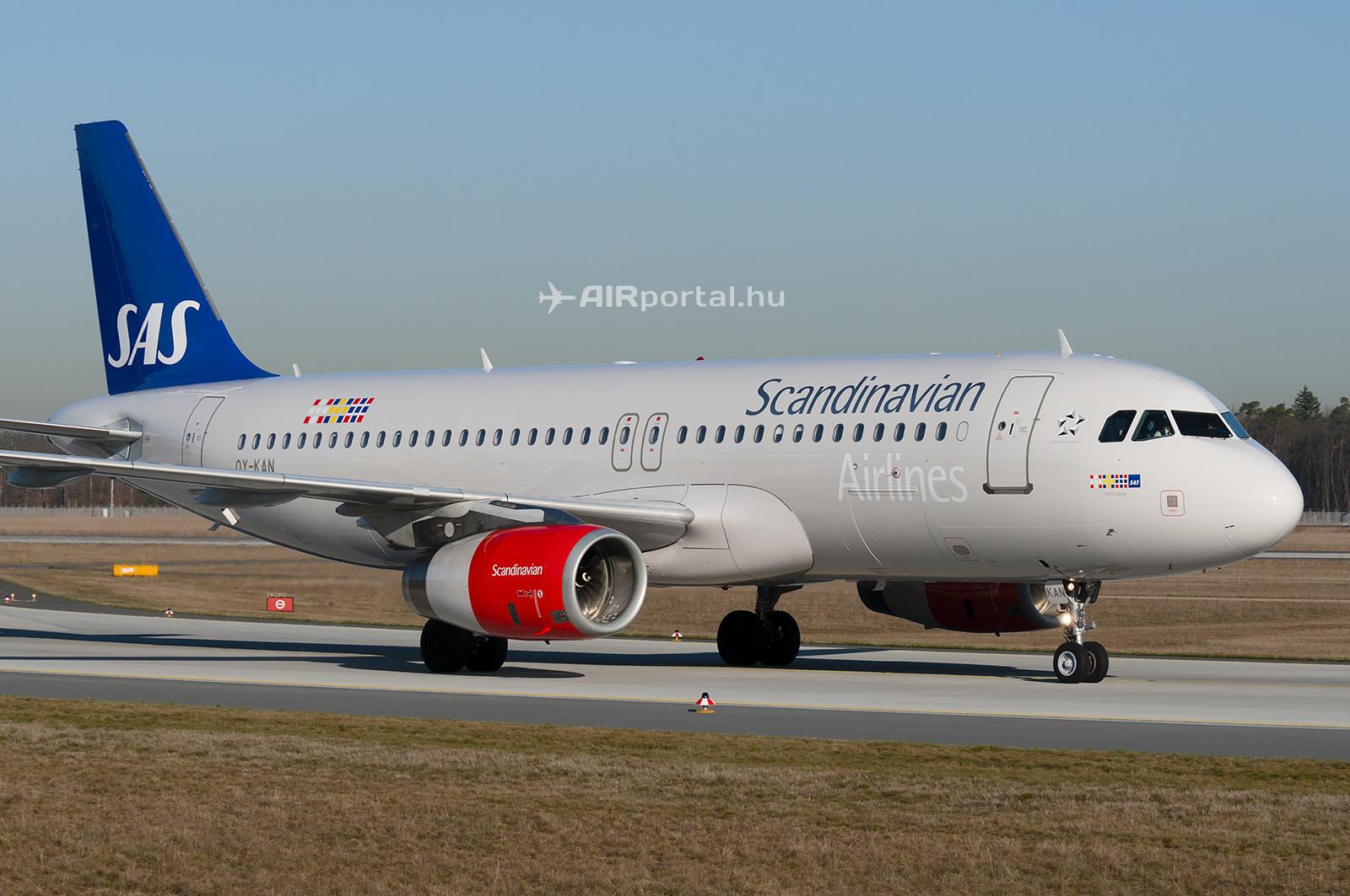 A skandináv társaság Airbus A320-as típusú repülőgépe.(Fotó: Bodorics Tamás - AIRportal.hu)   © AIRportal.hu