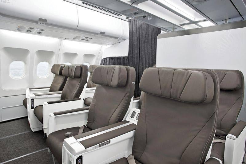 Az új Club business osztály ülései, az A330-ason. (Fotó: Air Transat) | © AIRportal.hu