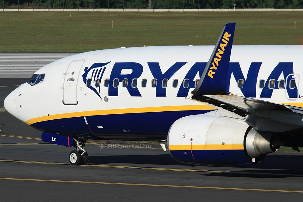 Ryanair Boeing 737-800NG a budapesti Liszt Ferenc repülőtéren, útban a futópálya felé. (Fotó: Csemniczky Kristóf - AIRportal.hu) | © AIRportal.hu
