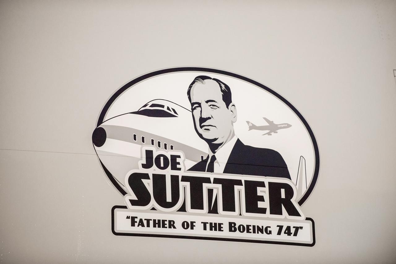 A Joe Sutter matrica közelről. (Fotó: Boeing Company)   © AIRportal.hu