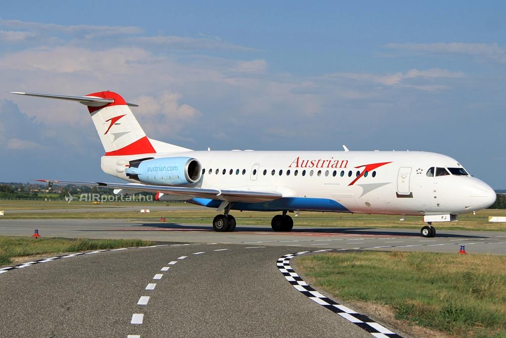 Fokker 70-es a budapesti Liszt Ferenc repülőtéren. (Fotó: Csemniczky Kristóf - AIRportal.hu) | © AIRportal.hu