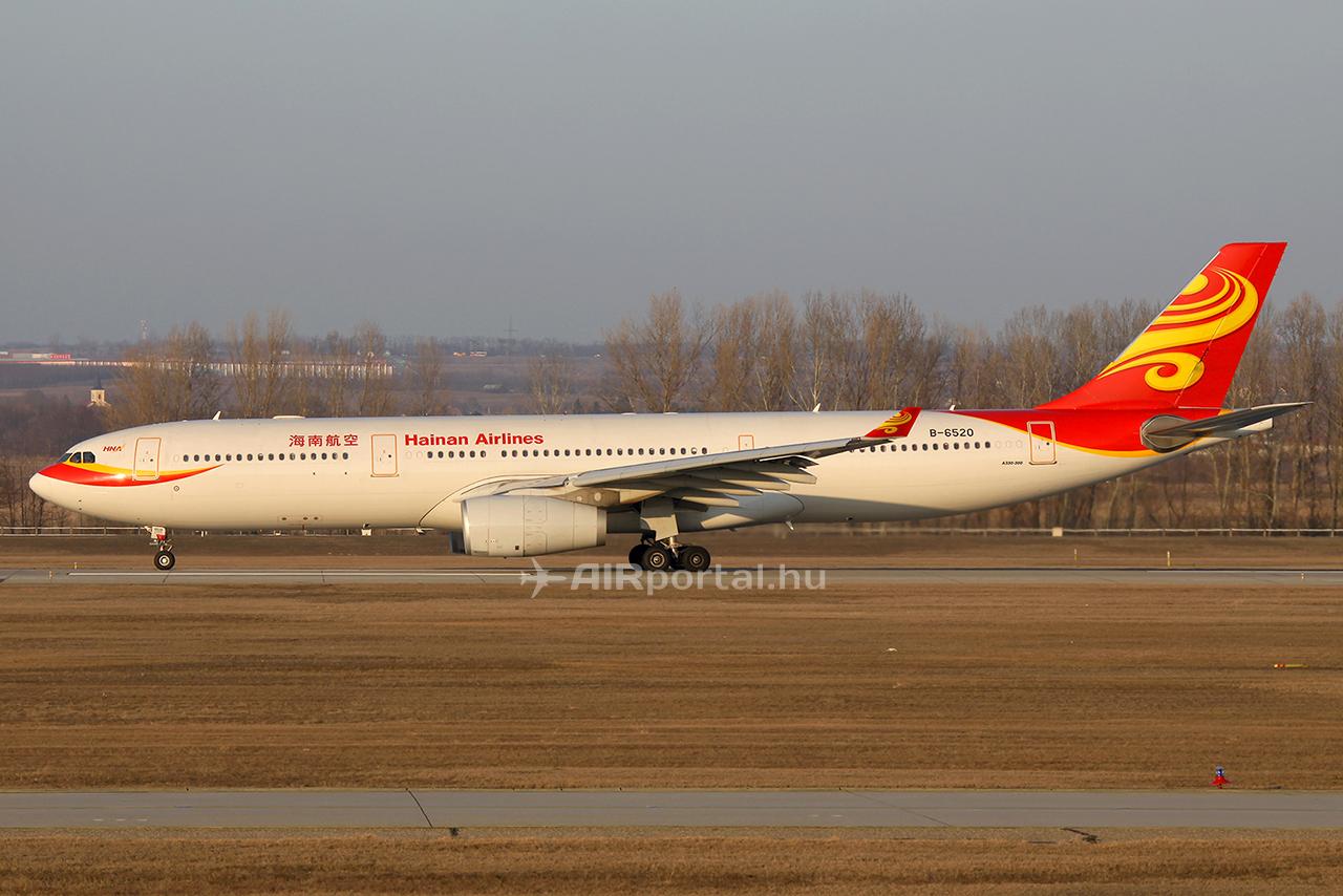 Az utolsó Hainan Airlines járat 2012. március 5-én. A járatot a légitársaság A330-300-as repülőgépe teljesítette. (Fotó: AIRportal.hu) | © AIRportal.hu