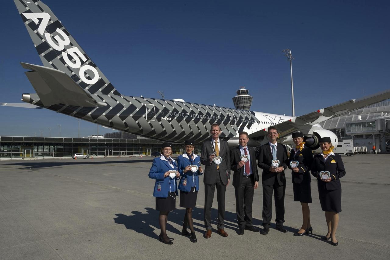 Az első müncheni üdvözlet az A350-esnek, idén februárban. (Fotó: Airbus)   © AIRportal.hu