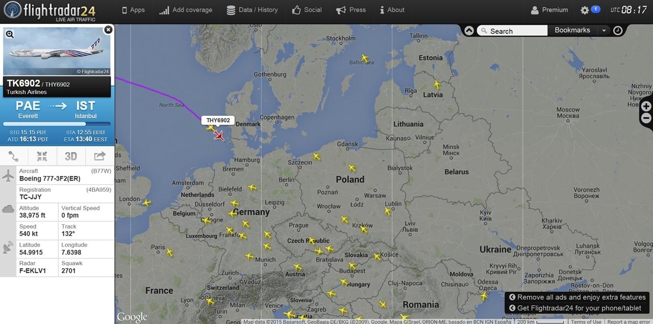 A flighttradar24.com radarképén a két vadonatúj Boeing 777-300ER. A TC-JJY lajstromú gép THY6902, a TC-JJV lajstromú pedig THY6900 járatszámmal repül Isztambul felé.   © AIRportal.hu