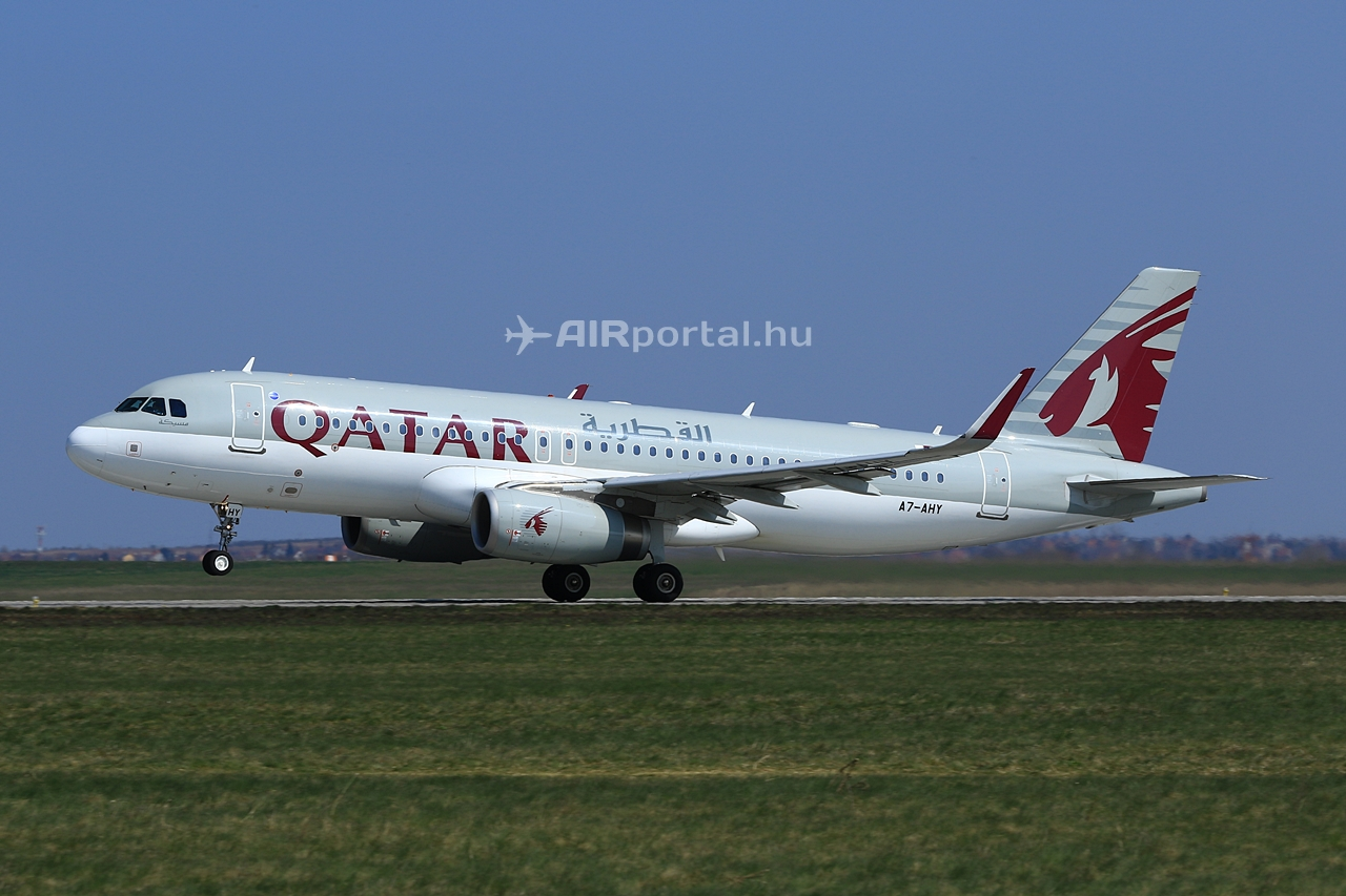 Felszállás 31L futópályáról Doha felé. (Fotó: Ispán Tamás - AIRportal.hu)   © AIRportal.hu