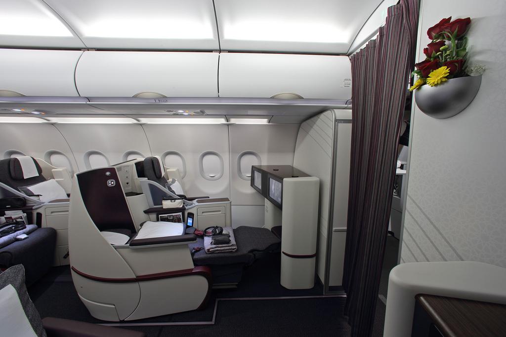 Légitársasági fotó a full lie-flat business ülésű Airbus A320-as fedélzetéről. (Fotó: Qatar Airways)   © AIRportal.hu