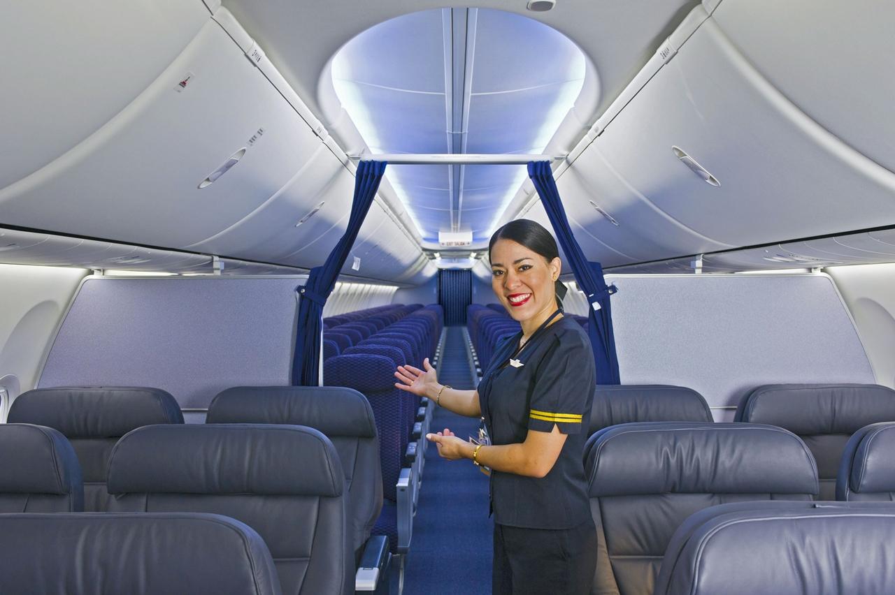 A Boeing SkyInterior kabinbelsőt a latin-amerikai légitársaságok közül elsőként a Copa Airlines vezette be 737-es Boeingjein, még 2011-ben. A BSI a Next Generation 737-esekhez opcionális, a MAX szérián viszont már az alapfelszereltség része. (Fotó: Boeing Company) | © AIRportal.hu