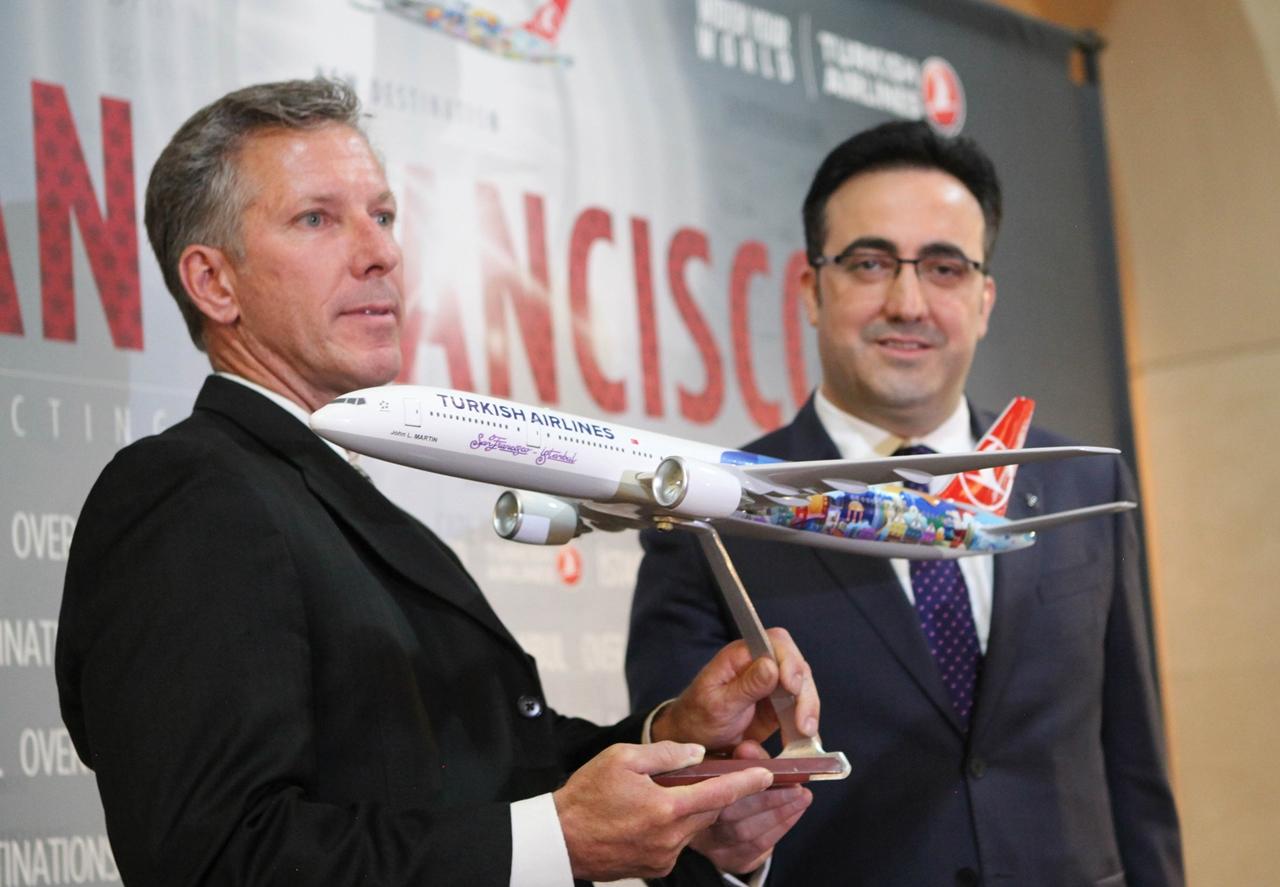 Nemcsak a valódi gép, hanem 1:100 méretarányú B777-300ER modell is készült. (Fotó: Turkish Airlines) | © AIRportal.hu