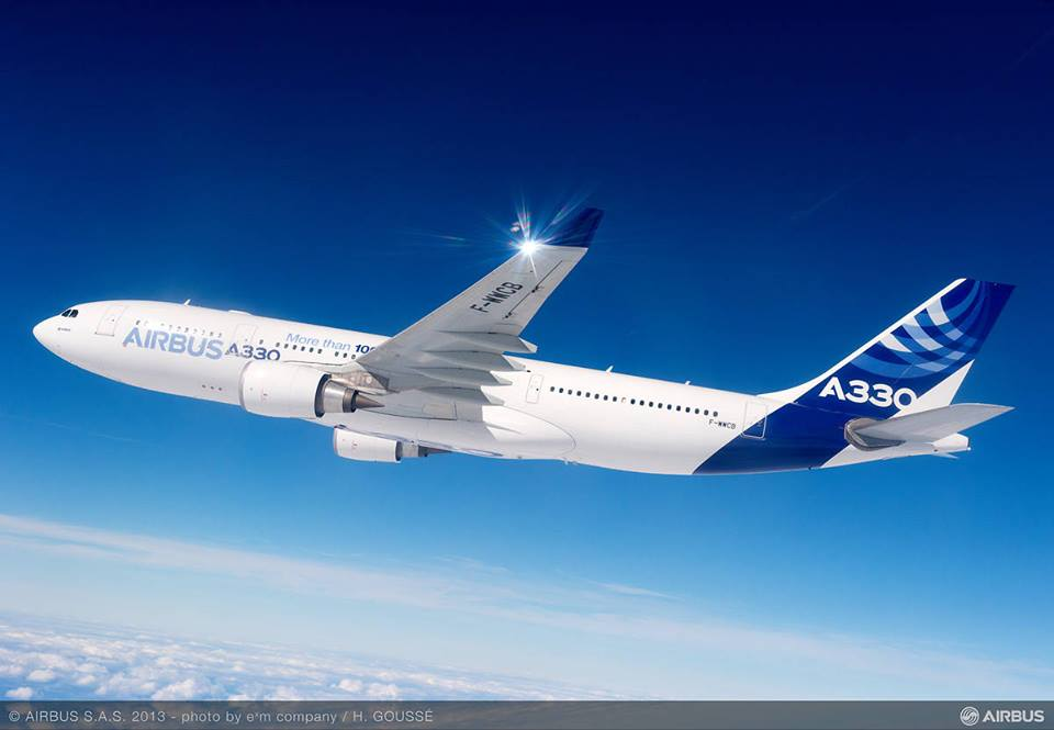 Az egyik A330-as prototípus repülés közben. (Fotó: Airbus) | © AIRportal.hu
