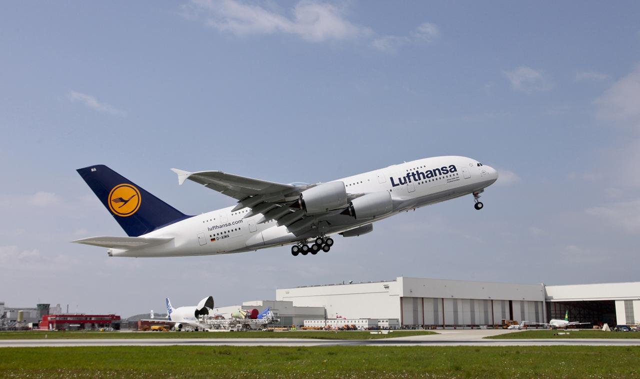 Lufthansa Airbus A380-800 felszállás közben. (Fotó: Airbus) | © AIRportal.hu