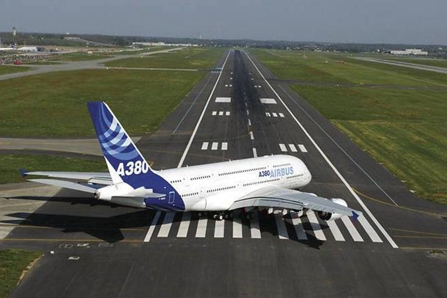 2005. április 27-én a felszálláshoz készülő A380-800-as prototípus Toulouse-ban. (Fotó: Airbus)   © AIRportal.hu