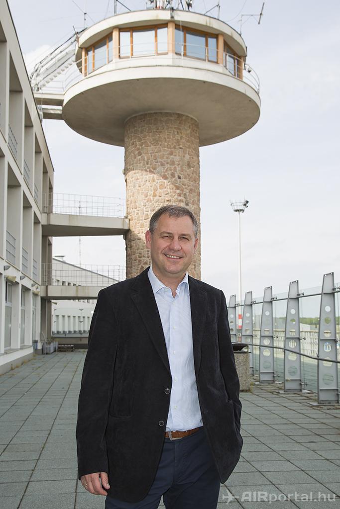 Szarvas Gábor, a Budapest Airport közösségi kapcsolatokért felelős igazgatója. (Fotó: AIRportal.hu)   © AIRportal.hu