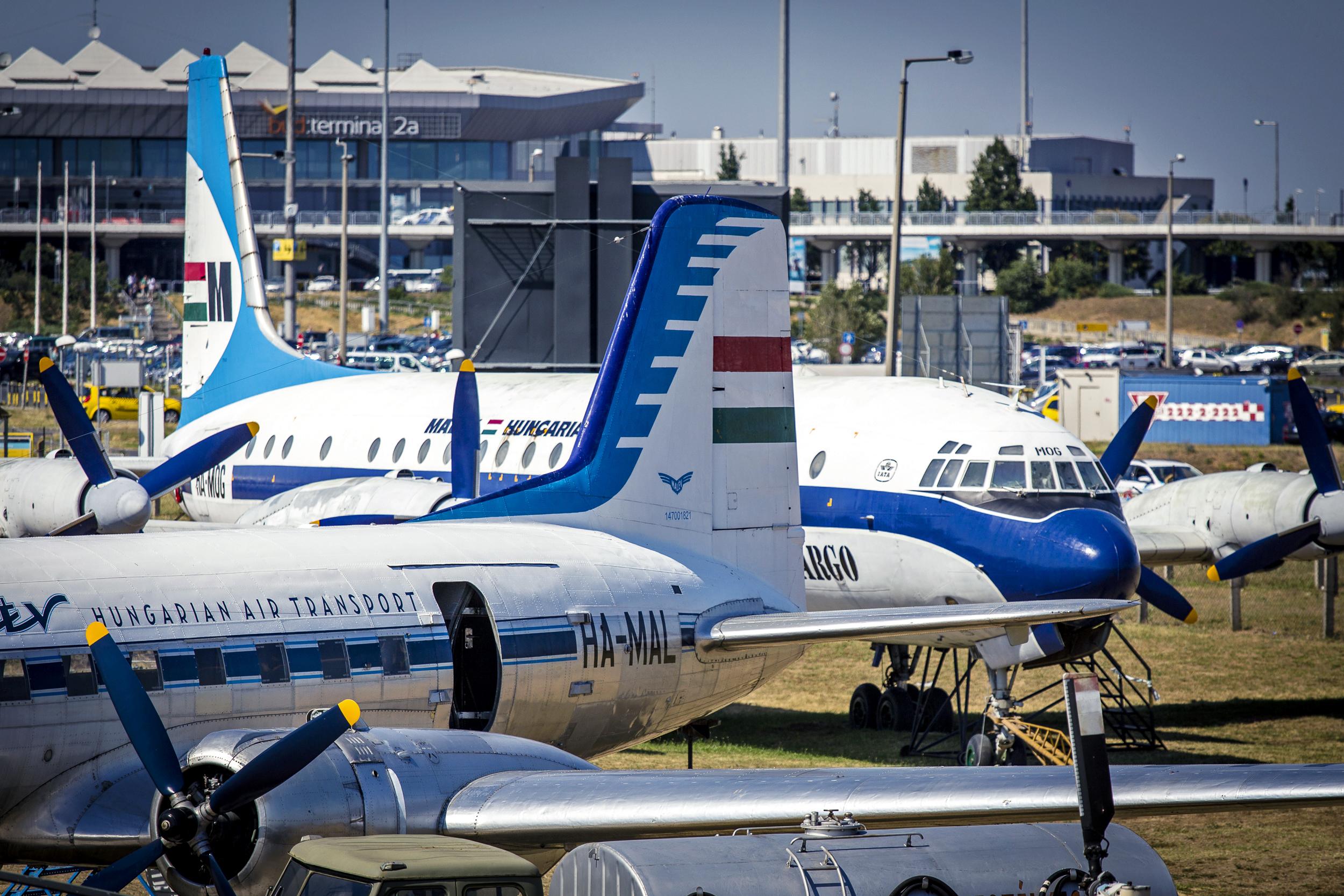A HA-MAL és a HA-MOG repülőgépek. (Fotó: LKK)   © AIRportal.hu