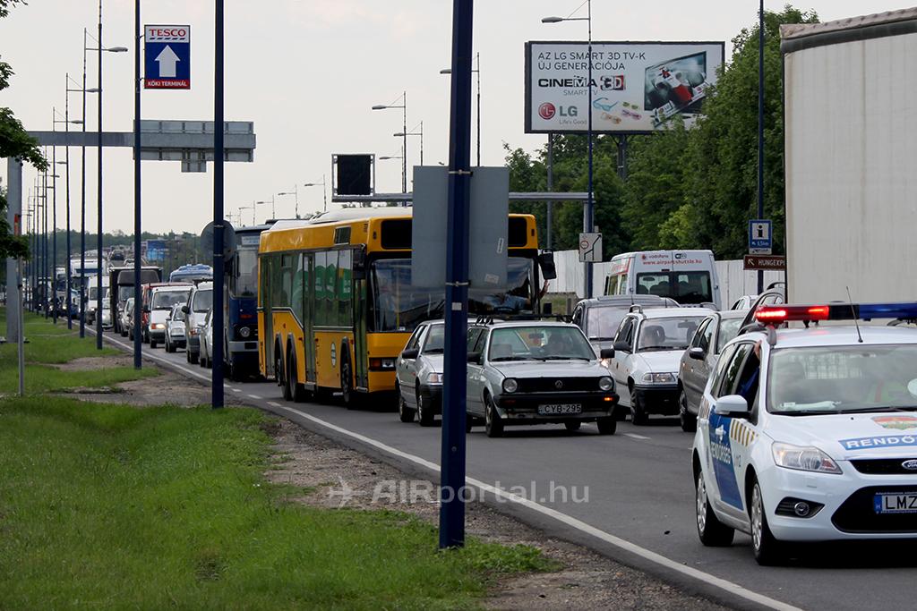 Dugó a gyorsforgalmin. (Fotó: AIRportal.hu) | © AIRportal.hu