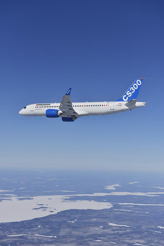A jelenlegi legnagyobb CSeries, a 300-as első repülése alkalmával 2015 februárjában. (Fotó: Bombardier Aerospace) | © AIRportal.hu