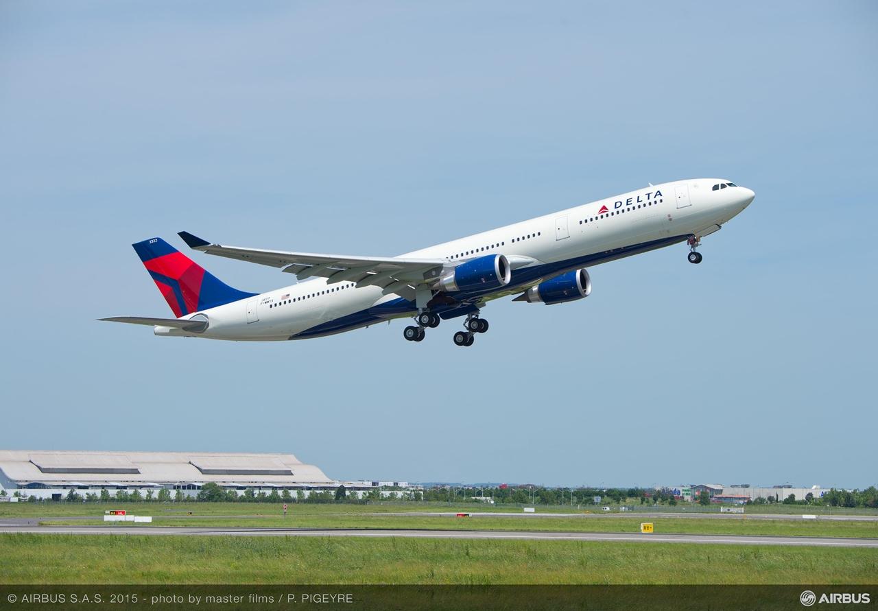 Az elsőként átadott megnövelt felszállósúlyú, 242 tonnás A330-300-as az amerikai Delta Air Lines-nál áll szolgálatba. (Fotó: Airbus)   © AIRportal.hu
