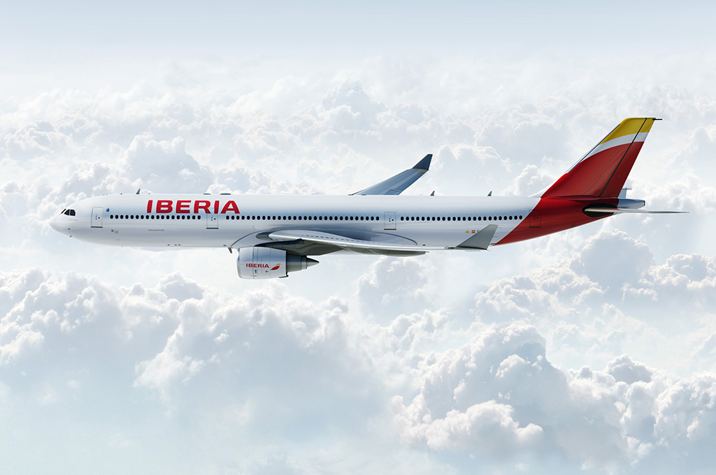 Az újranyitó járatot egy A340-600-as teljesítette Havannába, de a két főváros közötti járaton a képen látható új A330-300-asok lesznek rendszeresek. (Fotó: Iberia) | © AIRportal.hu