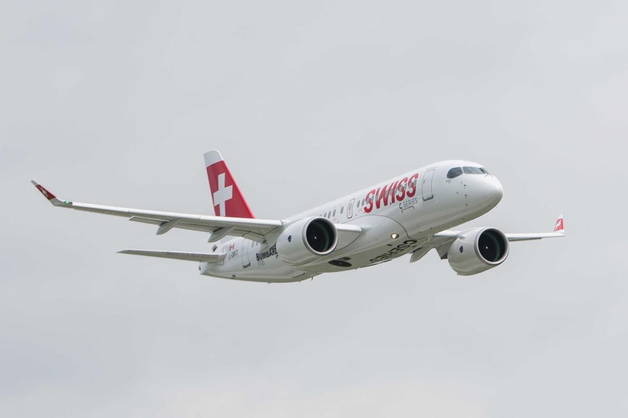 Az FTV5 prototípus bemutató repülése közben Párizsban. (Fotó: Bombardier Aerospace)   © AIRportal.hu