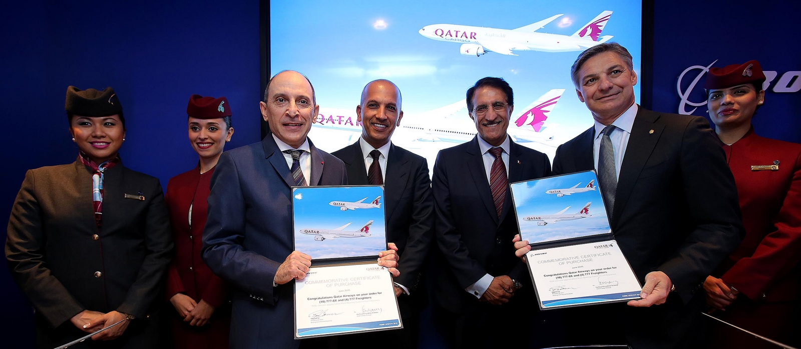 A listaáron 4,8 milliárd dollár értékű B777 szerződés fotója. Párizs, 2015. június 15. (Fotó: Qatar Airways) | © AIRportal.hu