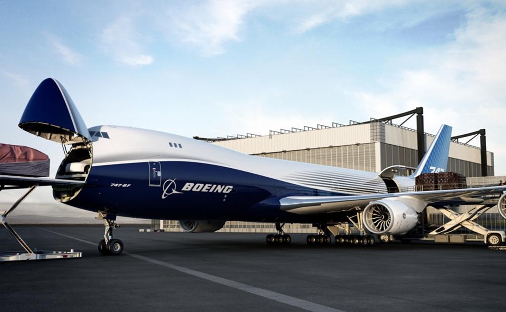 Nagy teljesítménye mellett praktikuma is előnye a 747-8F-nek. (Fotó: Boeing Company) | © AIRportal.hu