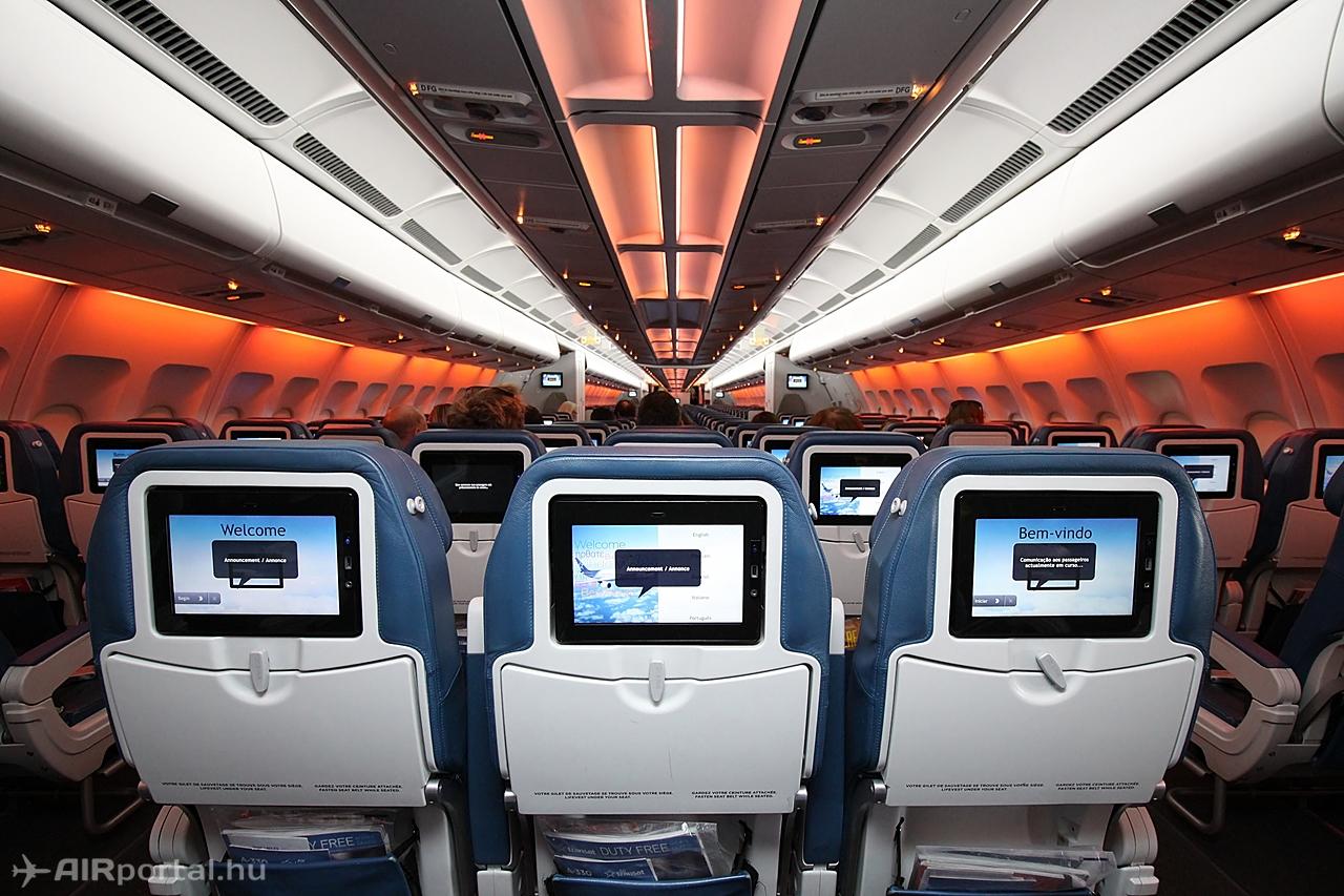 Másik szín másik hangulatba varázsolja a fedélzetet. Fotó: Csemniczky Kristóf - AIRportal.hu | © AIRportal.hu