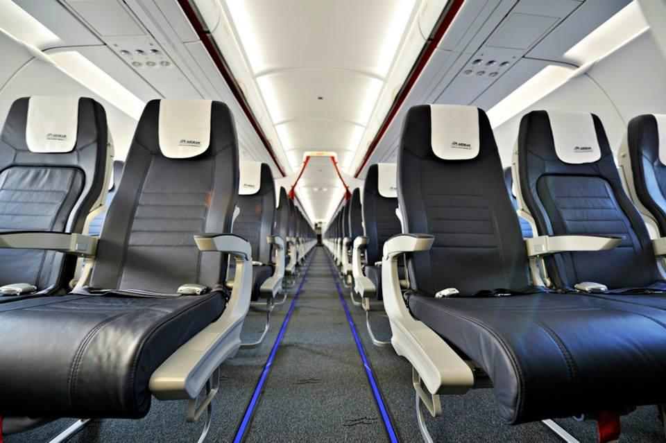 Vadonatúj bőrülések a fedélzeten. (Fotó: Aegean Airlines) | © AIRportal.hu