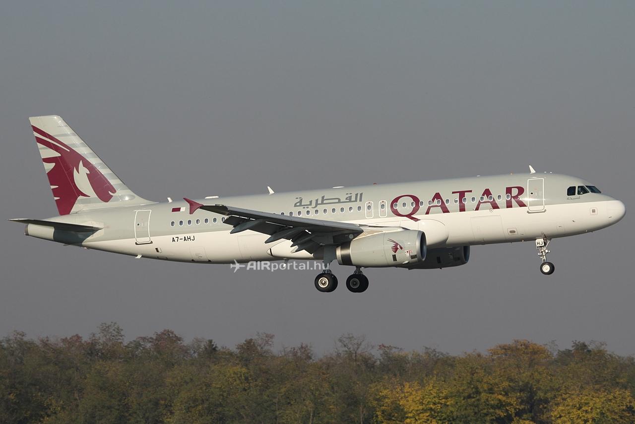 Qatar Airways Airbus A320-as leszállás közben Ferihegyen.Fotó: Csemniczky Kristóf - AIRportal.hu | © AIRportal.hu