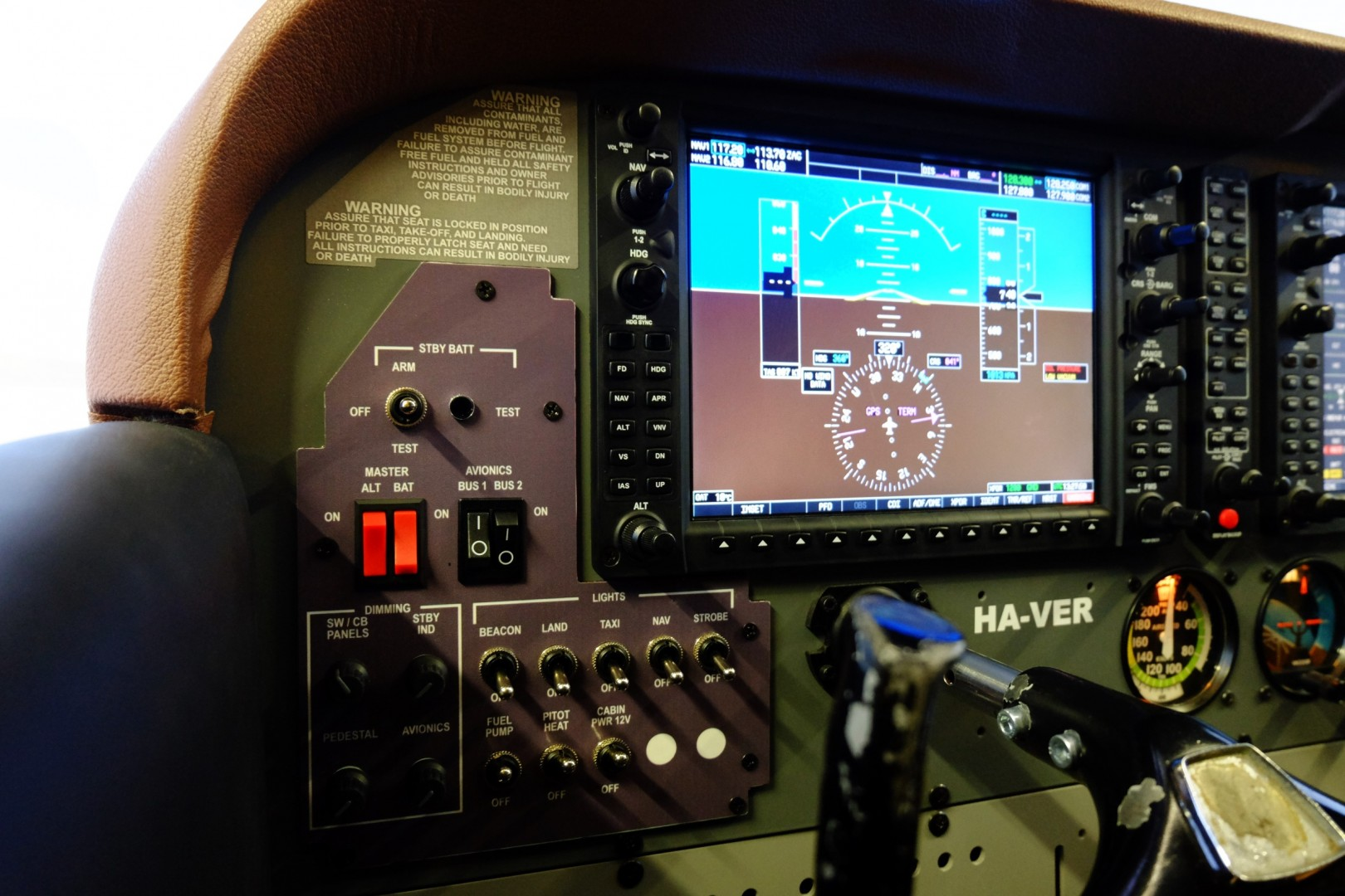 Minden azonnal kézre áll egy igazi Cessna 172-esen repülő pilótának is. | © AIRportal.hu
