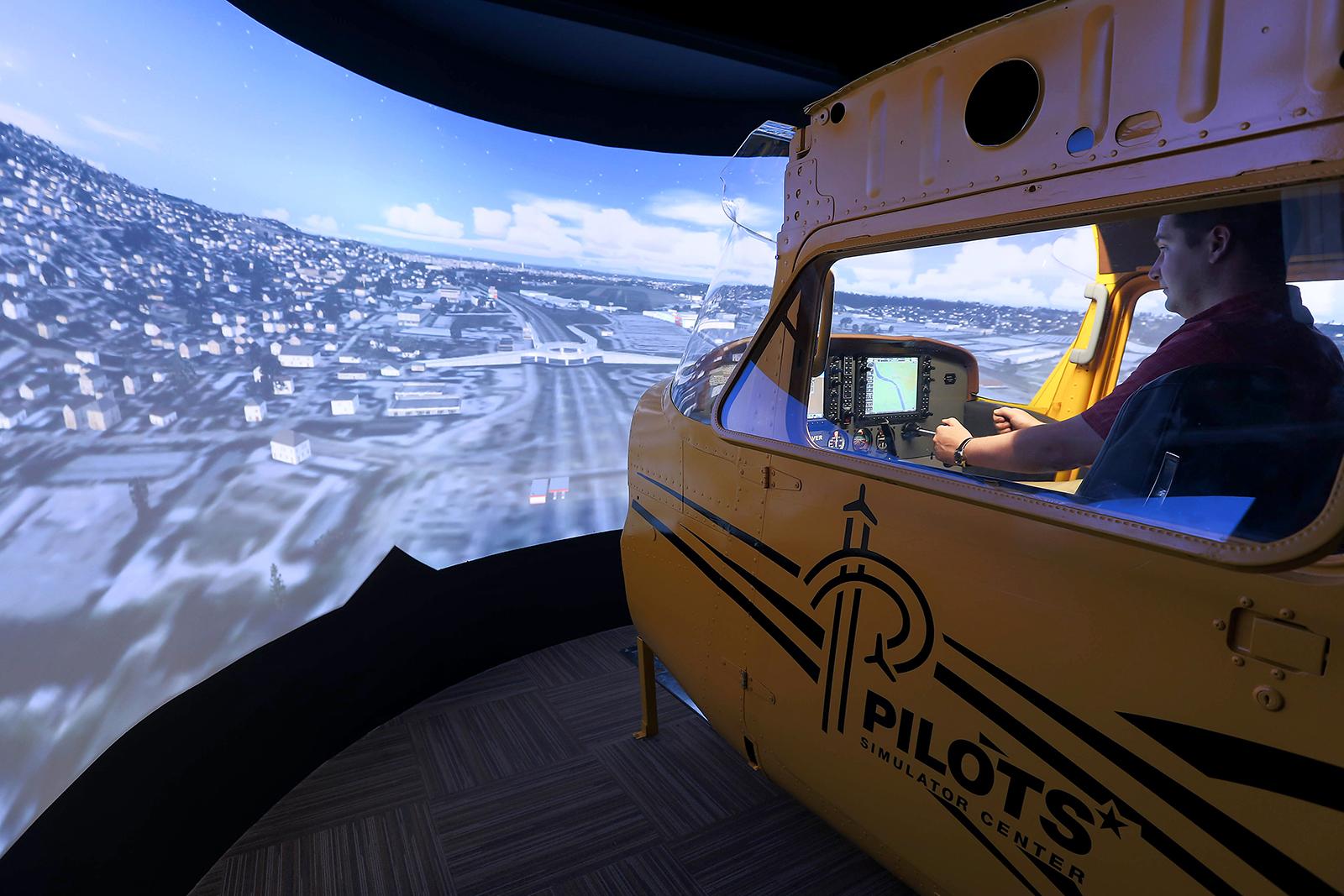 Eredeti Cessna 172-es kaszni emeli a kiváló szimulátoros élményt. | © AIRportal.hu