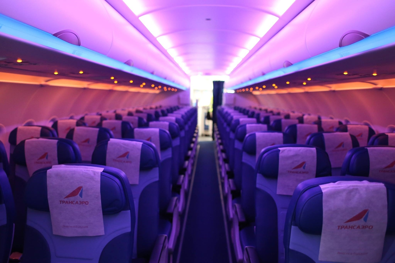 Az új LED világítású utaskabin. (Fotó: Transaero Airlines) | © AIRportal.hu