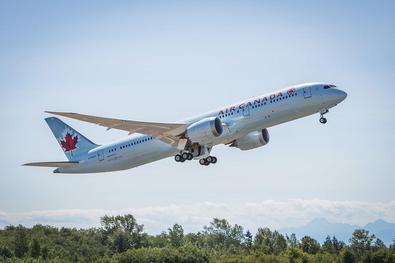A kanadai légitársaság első Boeing 787-9-ese felszállás közben. Irány Toronto! (Fotó: Boeing Company) | © AIRportal.hu